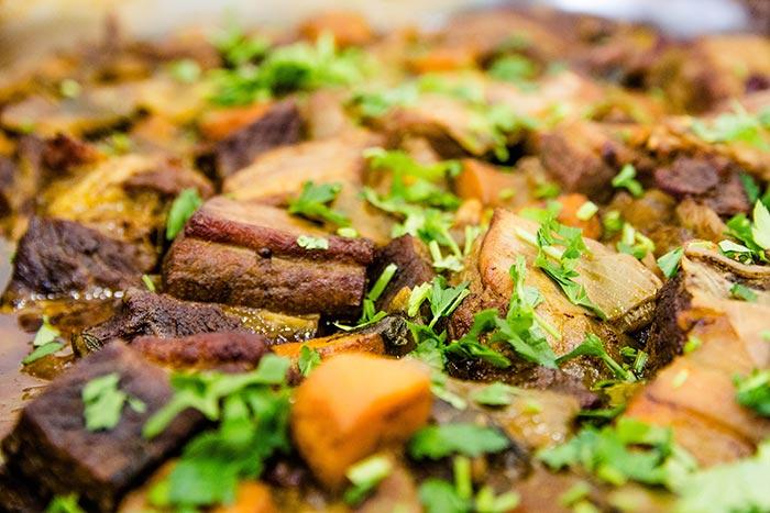 אוכל מוכן לחג ביבנה - קדרת בשר
