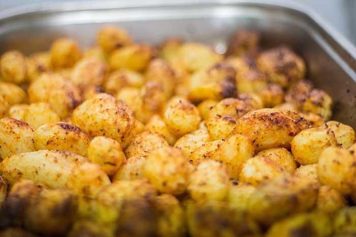 קייטרינג ברחובות - תפוחי אדמה אפויים