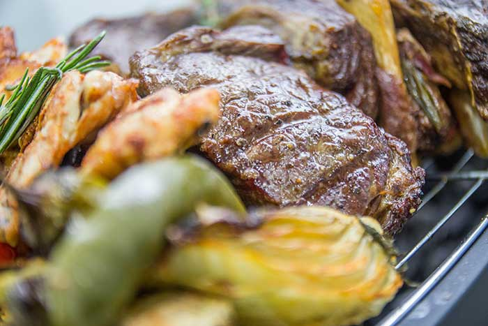 קייטרינג ברחובות - מנת בשר עם ירקות